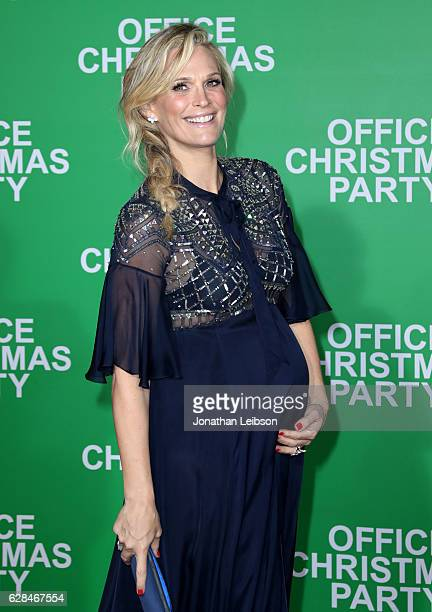 Model Molly Sims attends the LA Premiere of Paramount Pictures Office Christmas Party at Regency Village Theatre on December 7 2016 in Westwood...