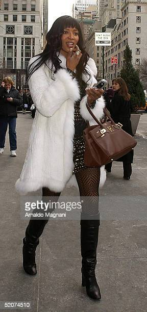 bfee4ce3ee63 Model Naomi Campbell walks outside Cirpiani Restaurant on December 21 2004  in New York City