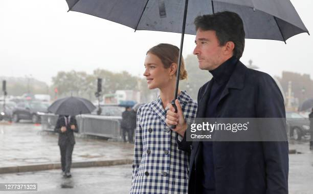 Model Natalia Vodianova and her husband Antoine Arnault arrive to attend the Dior Womenswear Spring/Summer 2021show as part of Paris Fashion Week on...