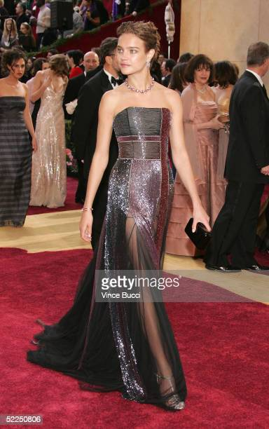 Model Natalia Vodianova arrives at the 77th Annual Academy Awards at the Kodak Theater on February 27 2005 in Hollywood California