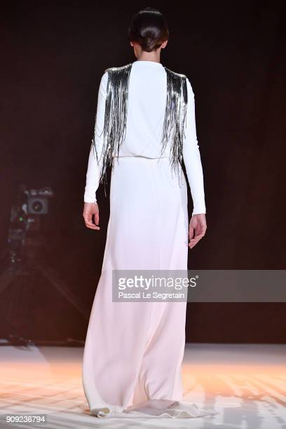 PARIS FRANCE JANUARY 23 Model Nieves Alvarez walks the runway during the Stephane Rolland Spring Summer 2018 show as part of Paris Fashion Week on...