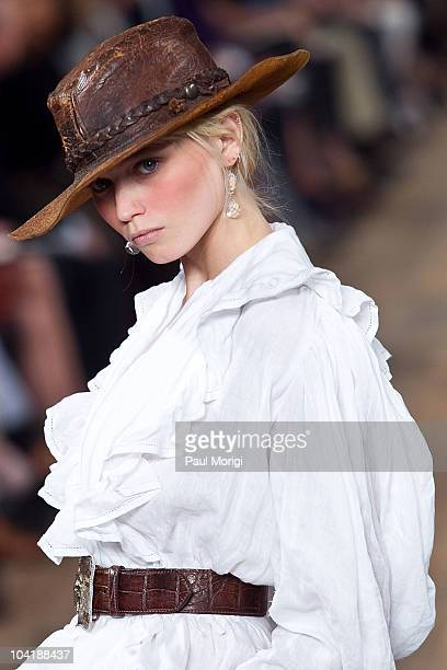 A model on the runway at the Ralph Lauren Spring 2011 fashion show during MercedesBenz Fashion Week at Skylight Studio on September 16 2010 in New...