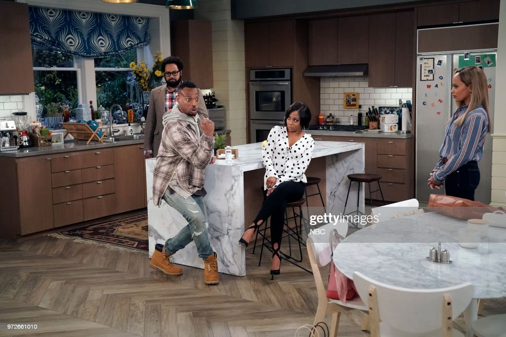 MARLON -- 'Model Parent' Episode 204 -- Pictured: (l-r) Diallo Riddle as Stevie, Marlon Wayans as Marlon Wayne, Bresha Webb as Yvette, Essence Atkins as Ashley Wayne --