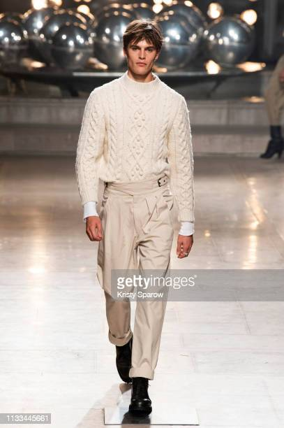Model Parker van Noord walks the runway during the Isabel Marant show as part of Paris Fashion Week Womenswear Fall/Winter 2019/2020 on February 28,...