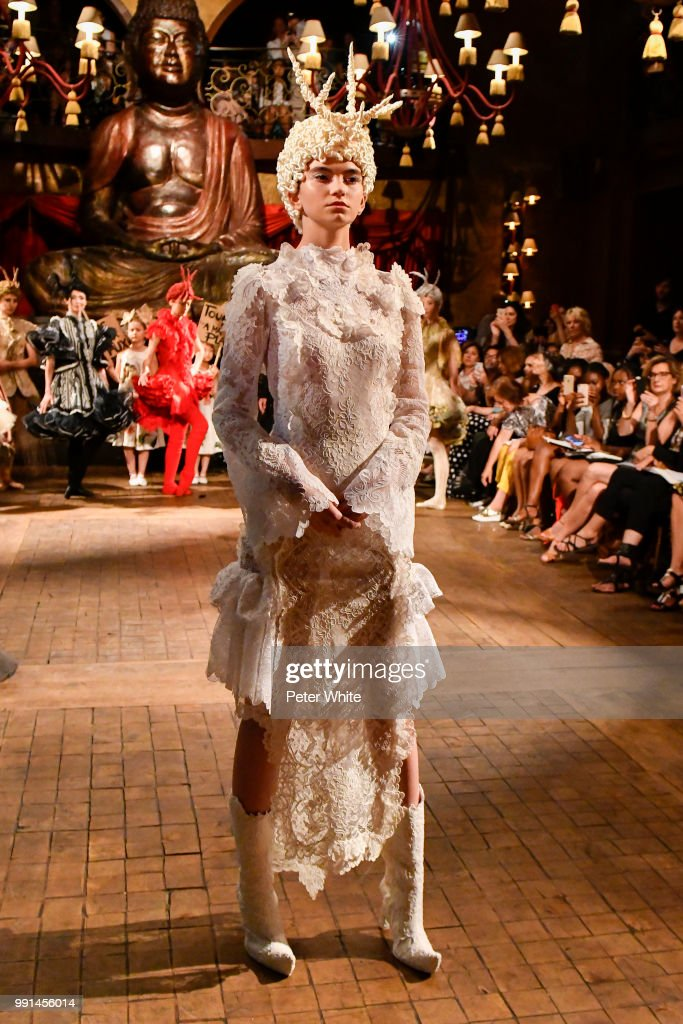 model-performs-during-the-franck-sorbier-haute-couture-fall-winter-picture-id991456014