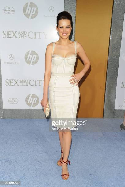 Model Petra Nemcova attends the Sex And The City 2 Premiere presented by MercedesBenz And Maybach at Radio City Music Hall on May 24 2010 in New York...