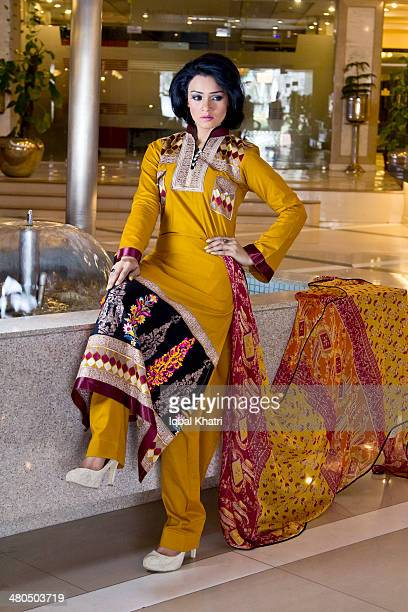 model - salwar kameez stock pictures, royalty-free photos & images