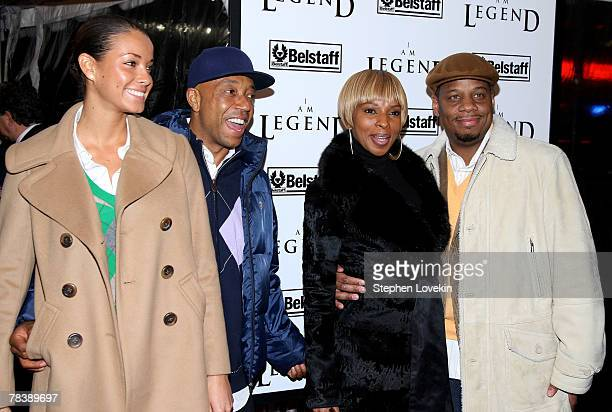 "Model Porschla Coleman, Russell Simmons, Singer Mary J. Blige and Kendu Isaacs attend Warner Brothers New York premiere of ""I Am Legend"" at The WaMu..."