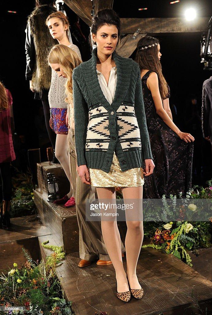 Candela - Presentation - Fall 2012 Mercedes-Benz Fashion Week : News Photo