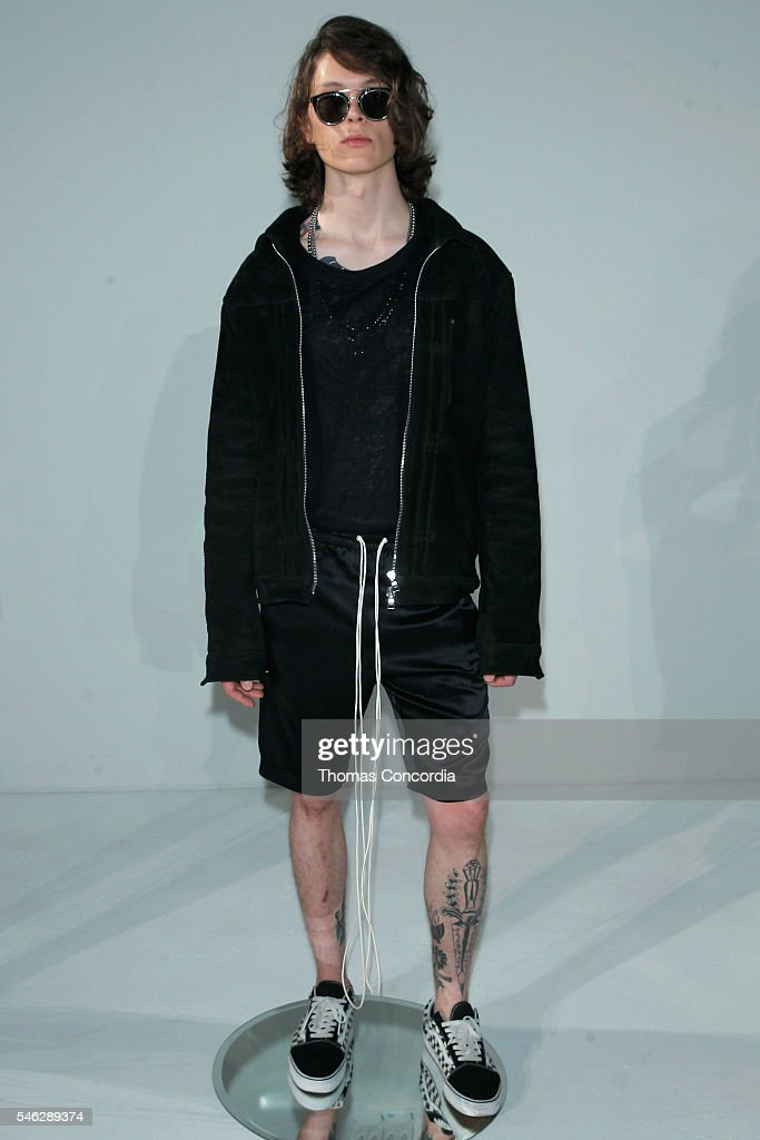 Rideau - Presentation - New York Fashion Week: Men\'s S/S 2017 Photos ...