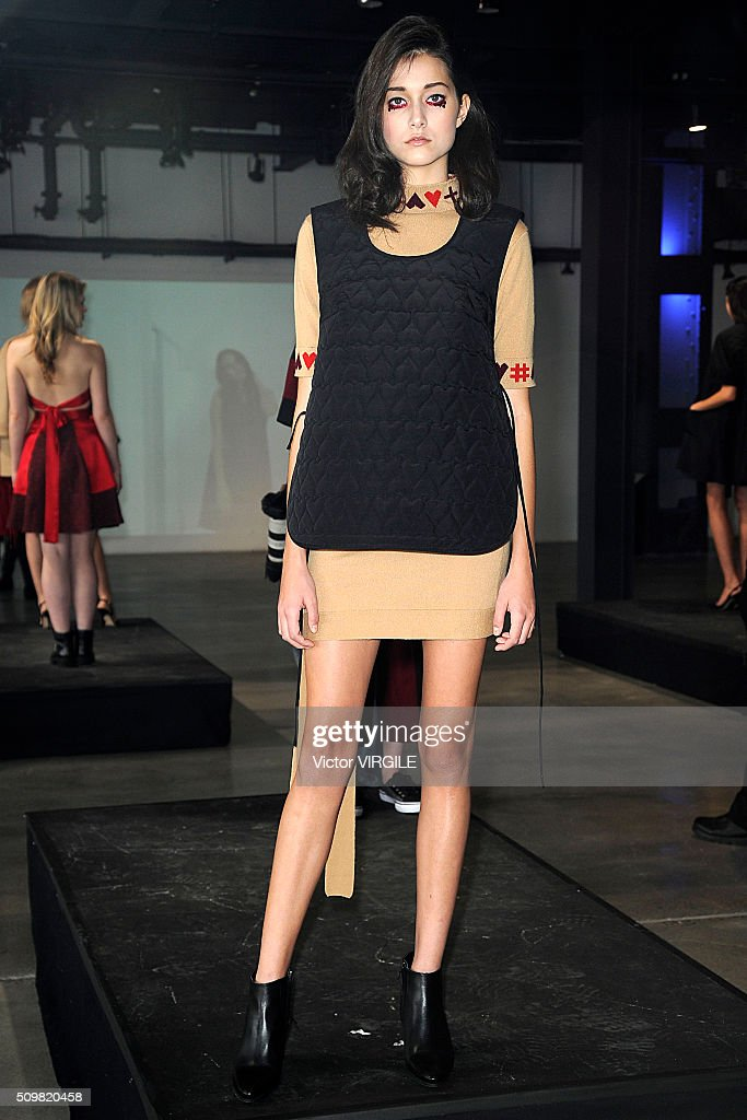 Vivi Academy - Presentation - Fall 2016 New York Fashion Week : News Photo