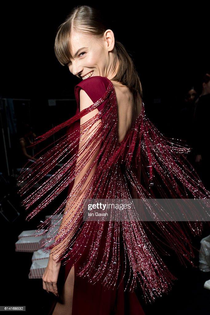 Beauty - Mercedes-Benz Fashion Week Istanbul - October 2016 : News Photo
