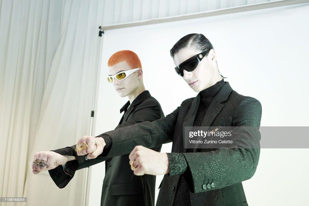 Versace - Backstage - Milan Men's Fashion Week Spring/Summer 2020 : ニュース写真