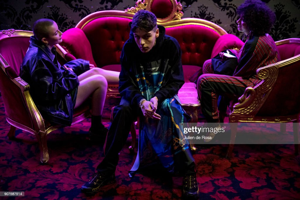 Andrea Crews : Backstage - Paris Fashion Week - Menswear F/W 2018-2019