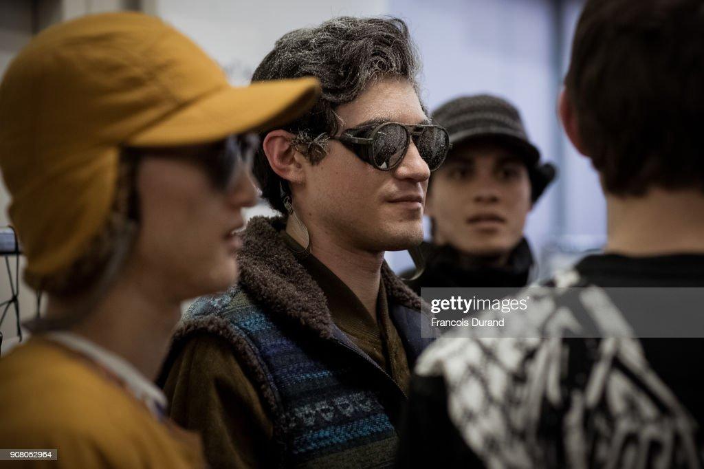 White Mountaineering : Backstage - Paris Fashion Week -Menswear F/W 2018-2019 : ニュース写真