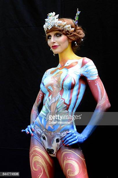A model poses with her bodypainting designed by bodypainting artist Bettina Strodli from Austria during the World Bodypainting Festival 2016 in...