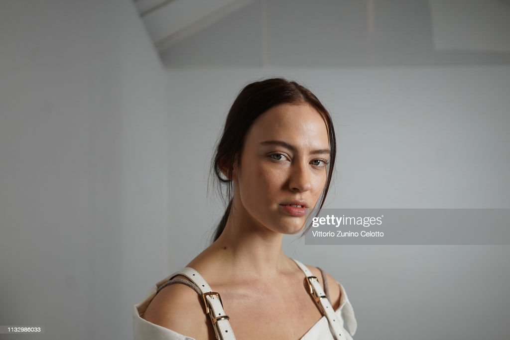 Balmain : Backstage - Paris Fashion Week Womenswear Fall/Winter 2019/2020 : ニュース写真