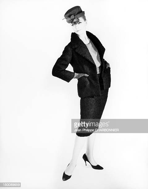 Model presenting a suit 1959 in Paris France