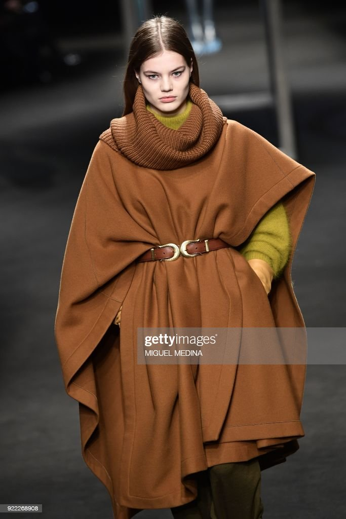 FASHION-ITALY-ALBERTA FERRETTI : News Photo