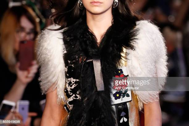 A model presents a creation by Altuzarra during the women's 2018 Spring/Summer readytowear collection fashion show in Paris on September 30 2017 /...
