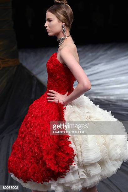 Model presents a creation by British designer Alexander McQueen during the autumn/winter 2008-2009 ready-to-wear collection show in Paris, 29...