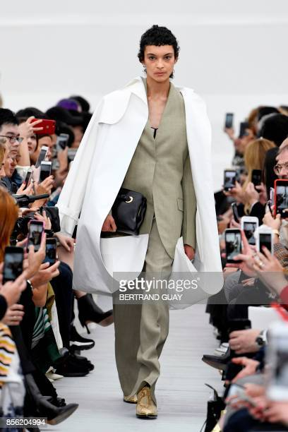 A model presents a creation by Celine during the women's 2018 Spring/Summer readytowear collection fashion show in Paris on October 1 2017 / AFP...