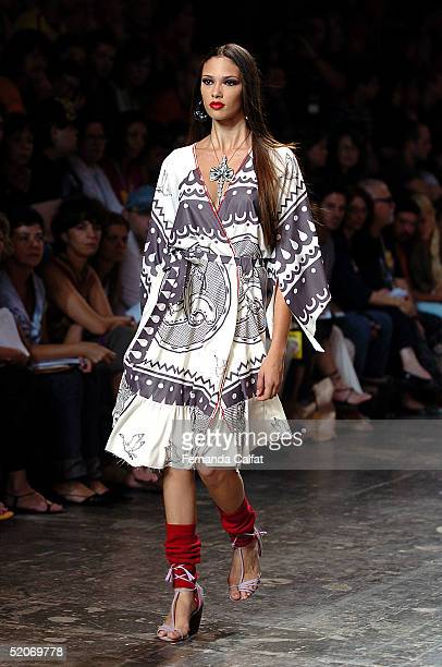 A model presents a creation by designer Fabia Bercsek during the Fall/Winter 2005 collection of the Sao Paulo Fashion Week at Parque Ibirapuera in...