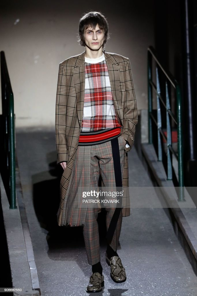 Dries Van Noten : Runway - Paris Fashion Week - Menswear F/W 2018-2019