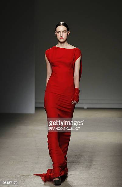 A model presents a creation by Dutch designer Josephus Thimister during the springsummer 2010 haute couture collection show on January 24 2010 in...