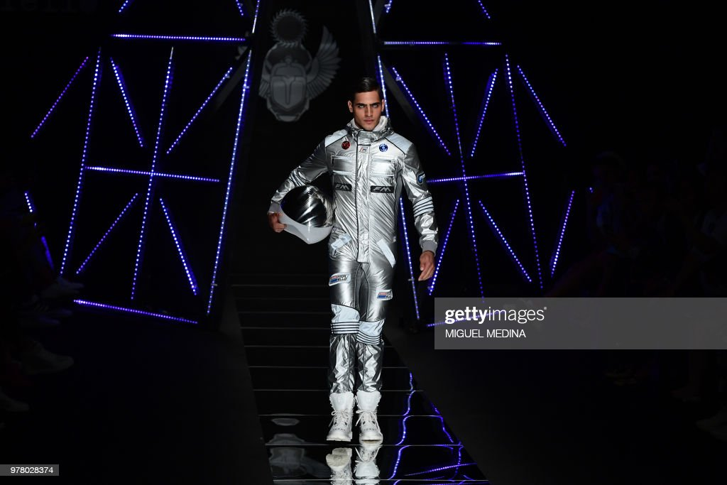 Dazzling Space Age Fashion On Show In Milan
