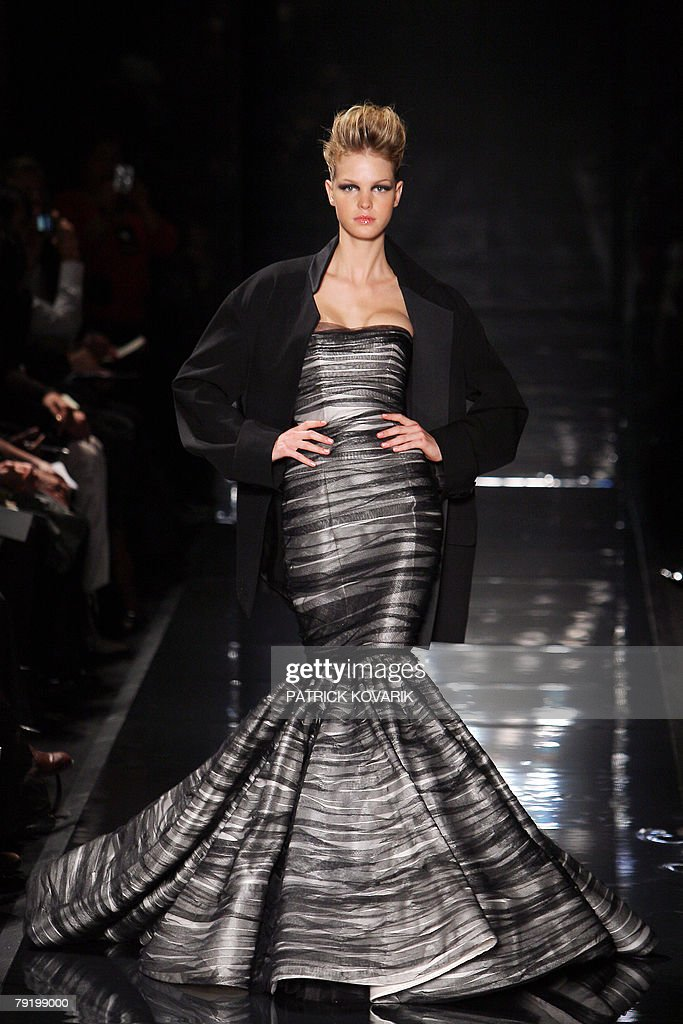 A model presents a creation by French designer Stephane Rolland during his Spring/Summer 2008 Haute Couture collection show in Paris, 24 January 2008.