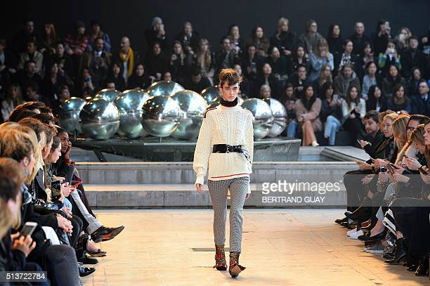 A model presents a creation by Isabel Marant during the 20162017 fall/winter readytowear collection fashion show on March 4 2016 in Paris AFP PHOTO /...