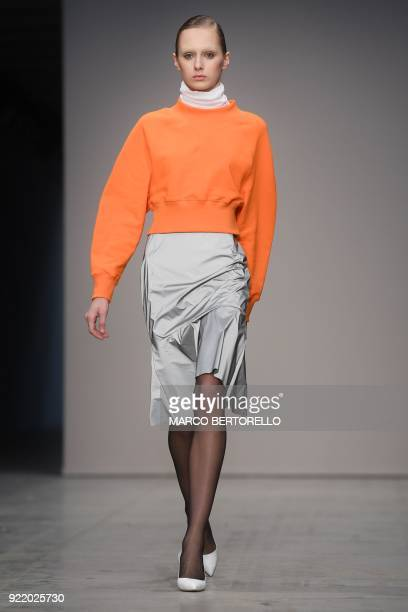 A model presents a creation by Lucio Vanotti during the women's Fall/Winter 2018/2019 collection fashion show in Milan on February 21 2018 / AFP...