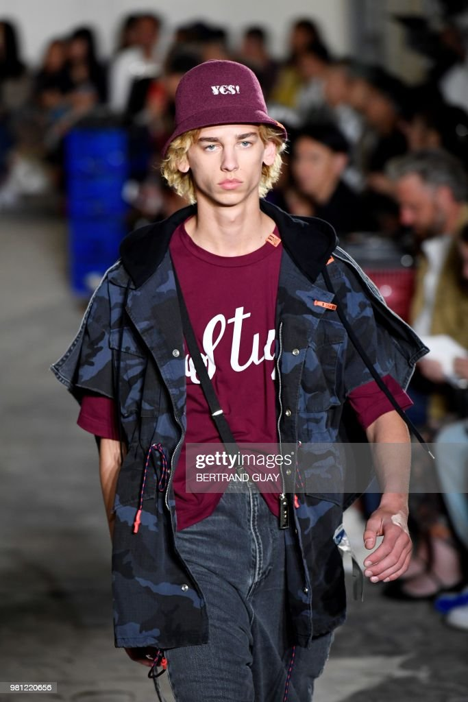 Maison Mihara Yasuhiro: Runway - Paris Fashion Week - Menswear Spring/Summer 2019