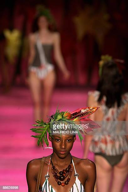 Model presents a creation by Movimento during the closing day of the 2009-2010 Spring-Summer collections of the Sao Paulo Fashion Week, in Sao Paulo,...