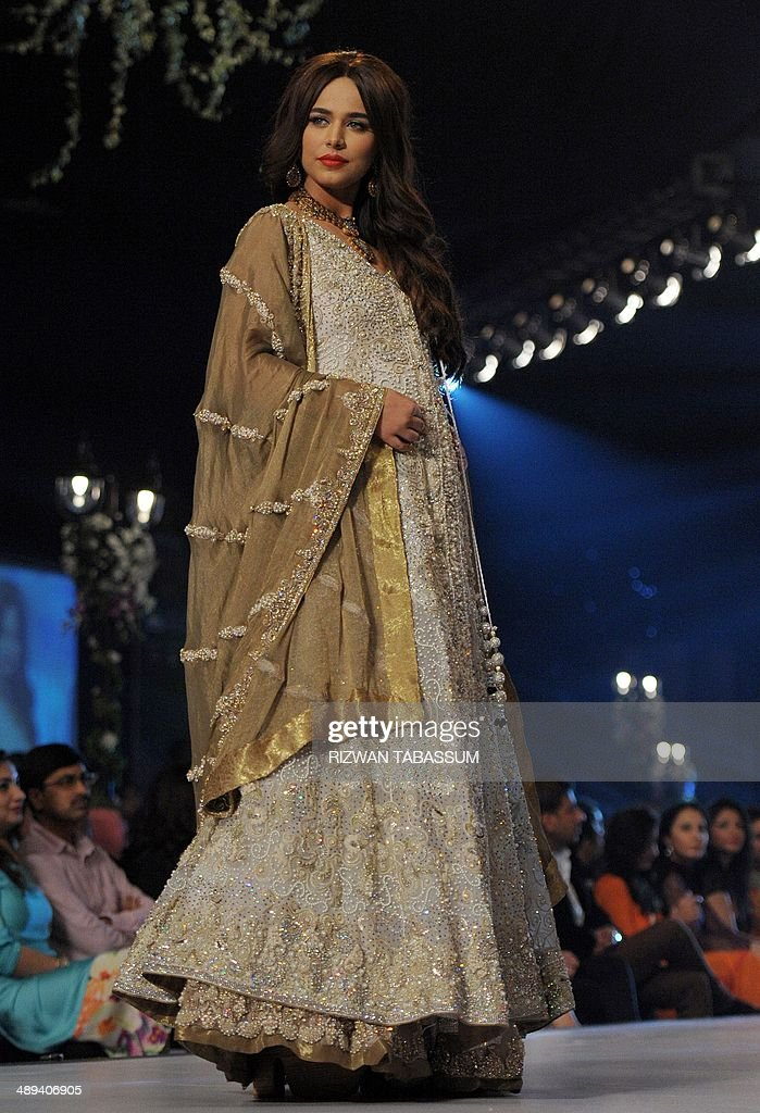 A Model Presents A Creation By Pakistani Designer Rani Emaan During News Photo Getty Images