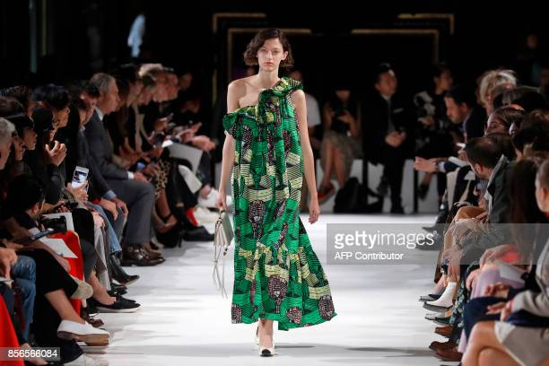 A model presents a creation by Stella McCartney during the women's 2018 Spring/Summer readytowear collection fashion show in Paris on October 2 2017...
