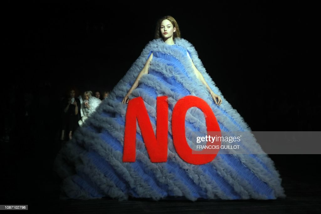 TOPSHOT-FASHION-FRANCE-VIKTOR & ROLF : News Photo