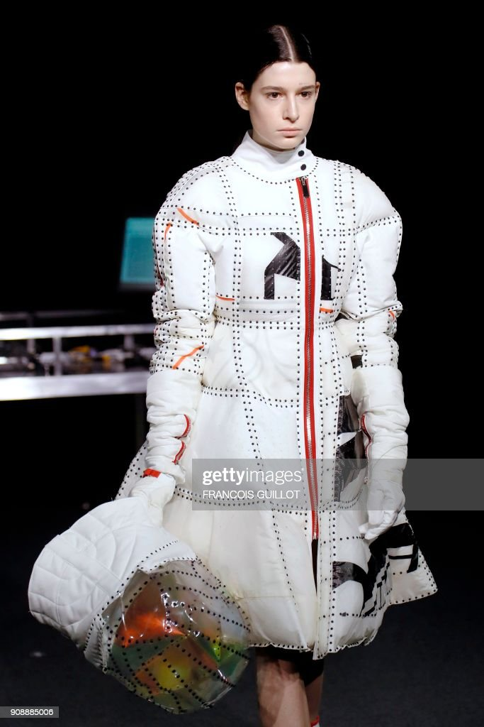 Yuima Nakazato : Runway - Paris Fashion Week - Haute Couture Spring Summer 2018