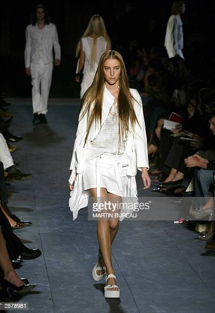 Model presents a creation for a Belgian designer Ann Demeulemeester 10 October 2003 in Paris during the ready-to-wear Spring/Summer 2004 collections....