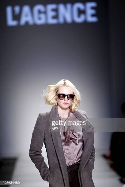 A model presents a creation for Club Brillant during the Amsterdam International Fashion in Amsterdam on January 30 2011 AFP PHOTO / ANP / ADE...