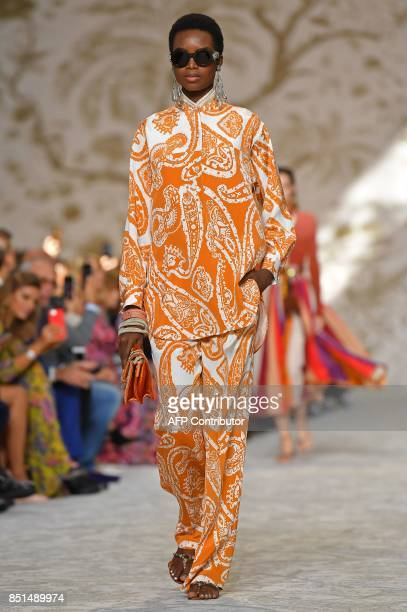 A model presents a creation for fashion house Etro during the Women's Spring/Summer 2018 fashion shows in Milan on September 22 2017 / AFP PHOTO /...