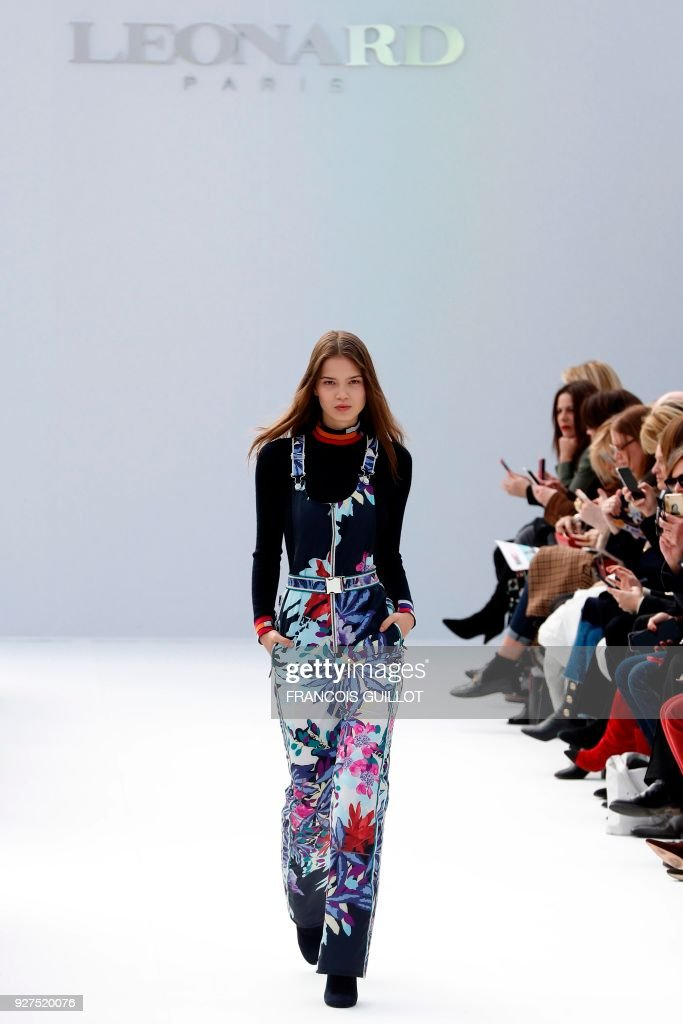 A model presents a creation for Leonard Paris during the 2018/2019 fall/winter collection fashion show on March 5, 2018 in Paris. /