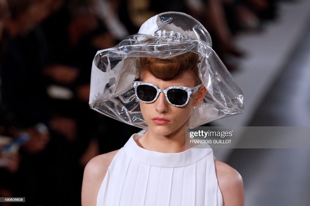 FASHION-FRANCE-MARGIELA : News Photo