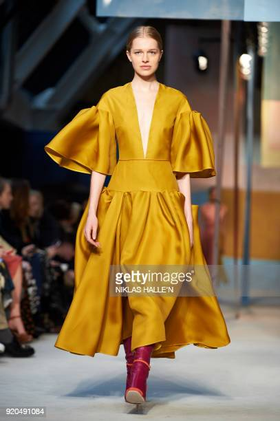 A model presents a creation from the Roksanda collection during their catwalk show on the fourth day of London Fashion Week Autumn/Winter 2018 in...