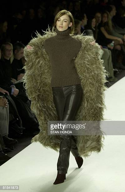 A model presents an outfit during the Ralph Lauren fashion show 09 February in New York The show is part of the Fashion Week Fall 2000 Collections...