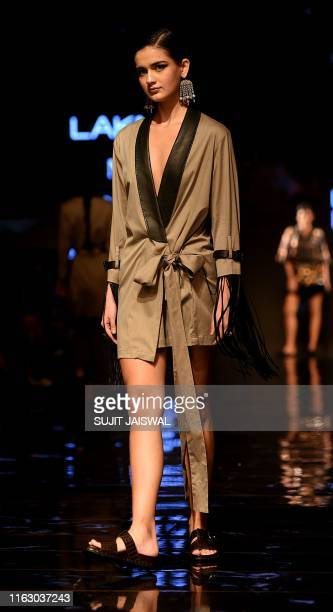 A model presents creations by designer Rara Avis at the Lakme Fashion Week Winter/Festive 2019 in Mumbai on August 21 2019 / XGTY / RESTRICTED TO...