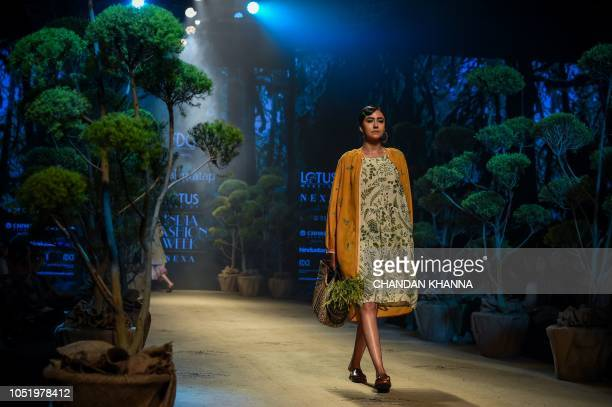 6 911 Amazon India Fashion Week Photos And Premium High Res Pictures Getty Images