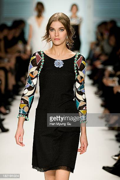 A model presents the 2011/12 Cruse Collection by Chanel at AXKorea on November 10 2011 in Seoul South Korea Models strutted down the catwalk wearing...