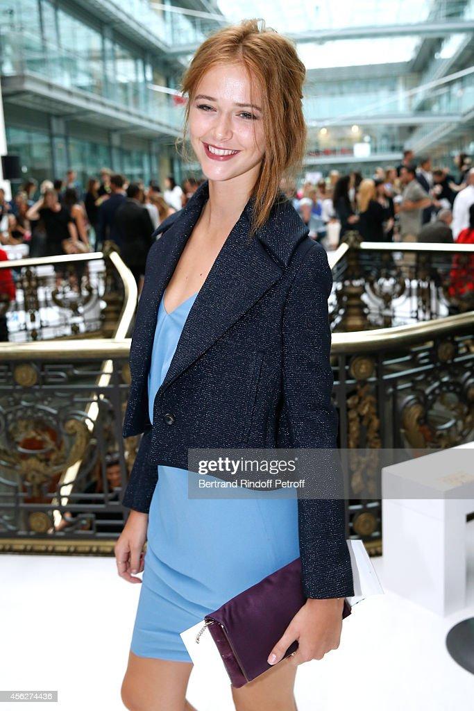 John Galliano : Front Row - Paris Fashion Week Womenswear Spring/Summer 2015 : Foto di attualità